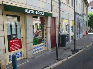 Auto-école Besançon-Marulaz (Vitrine extérieure)